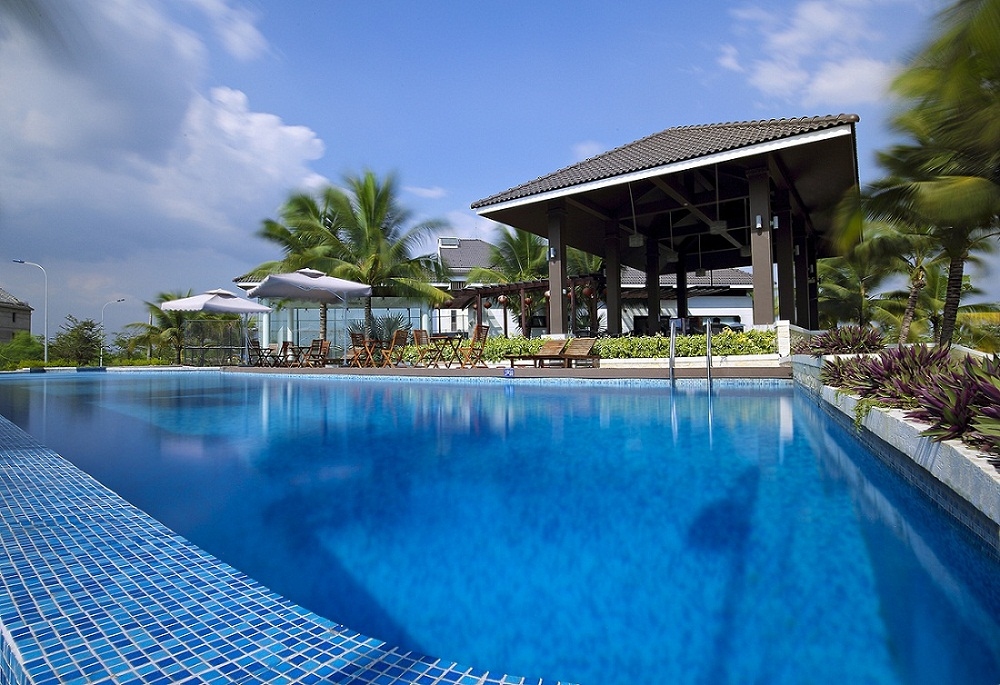 Hồ bơi thực tế tại Jamona Home Resort
